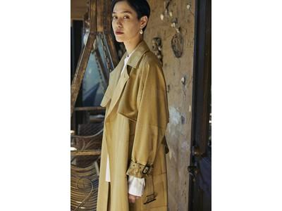 はたらく女性に寄り添うAresenseから名品トレンチコートの新作が発売。