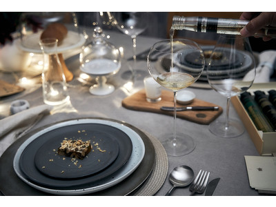 5種類のワインと料理のペアリングが魅力!「MAIAM WINES」のペアリングコースセットに、ホリデーシーズン限定スペシャルメニューが登場!