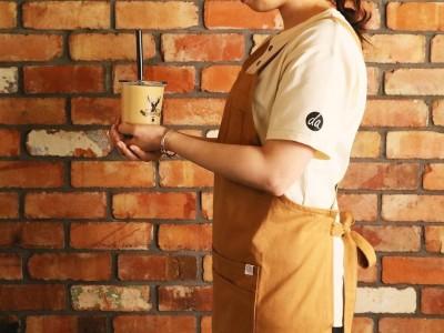"""『THE ALLEY』オリジナルブレンド""""ロイヤル No.9""""の出涸らし茶葉から染色したファブリックでユニフォームをリニューアル!FOOD TEXTILEとのコラボレーションで環境に配慮した取り組みへ"""
