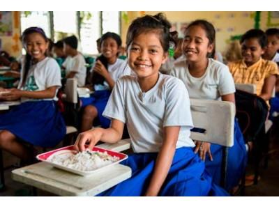 クラランス:FEEDプロジェクト2018 世界中の子供たちに食事と笑顔を届けるために