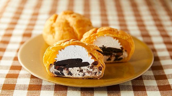 ココアクッキーが丸ごと2枚入った「具入りシュー」、『まさに!クッキー&クリームシュー』10月21日(水)新発売!