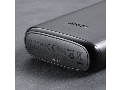 「在庫一掃」Lightningケーブル一本で持ち運び出来るAUKEY超大容量20000mAhモバイルバッテリーPB-N65が3000円で入手可能!