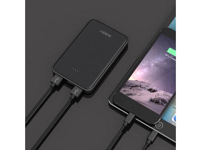 2USBポート搭載の10000mAhモバイルバッテリー「AUKEY PB-N50」が40%オフ!大容量なのにコンパクト