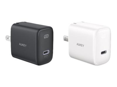 使い勝手のよい折り畳み式20W USB-C高出力急速充電器 「AUKEY PA-F1S」ホワイト&ブラックが35%OFF!