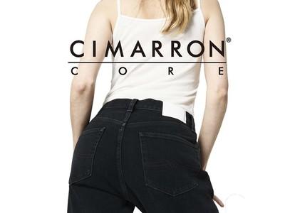 いつまでもキレイな黒が続く、色褪せないブラックジーンズ。美脚ジーンズブランド「CIMARRON(シマロン)」から新ライン「CORE(コア)」が登場!