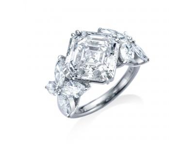 オランダ発「ROYAL ASSCHER」が、ブランドの代名詞「ロイヤル・アッシャー・カット」をあしらった新作のダイヤモンドリングを発表