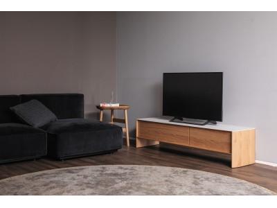 2020年秋発表予定の新製品に先駆けて、リビングルームをより快適にするテレビボードとソファを発表
