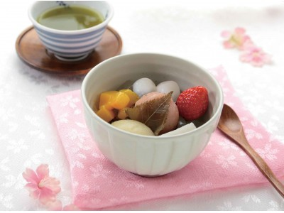 桜の時期には桜の和菓子を。春感じる「お花見あんみつ」を3月限定で発売いたします。
