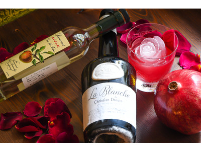 食べられる花屋EDIBLE GARDENとフルーツブランデー専門のBAR B&Fが食用バラをつかったカクテルでコラボレーション「バラ香るジャックローズ」の提供を開始