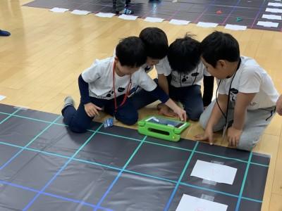 世界60カ国以上から数万人の子どもが参加するプログラミング世界大会、日本から幼児を含む2チームが初参加!