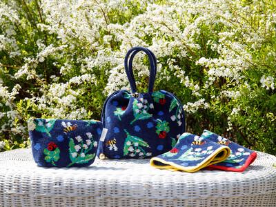 ドイツ伝統工芸織物シュニール織のブランド「FEILER(フェイラー)」から、多彩な魅力を放つウィメンズブランド「MUVEIL(ミュベール)」との初コラボレーションアイテムが4月21日(水)より登場!