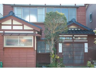 昭和初期に建築された金澤町屋を改修した一棟貸しの宿「つなぎ庵 旅音」が4月28日オープン!
