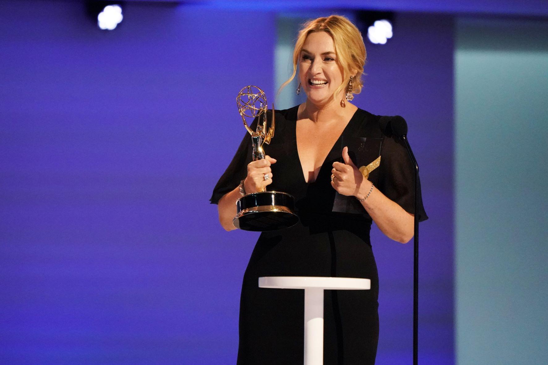 第73回エミー賞発表!ケイト・ウィンスレット主演女優賞受賞含め、U-NEXTにて配信中の『メア・オブ・イーストタウン / ある殺人事件の真実』が3部門受賞!受賞作品&受賞者一覧