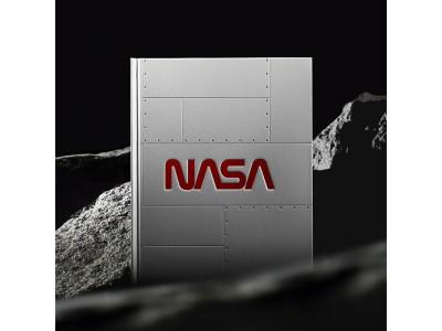 ノートから太陽系が浮かび上がる! NASA設立60周年を記念した「ARノートブック」を自社ECで販売開始
