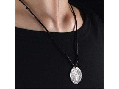あなただけの月明かり。スターリングシルバー製の「Moonネックレス」をGLOTURE.JPで販売開始