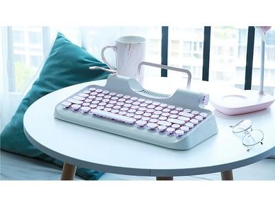 【新色Blueモデルが入荷しました!】「Rymek メカニカルキーボード」タイプライター風デザインと先進技術が融合!【iPhone・Android・Windows・Mac対応】