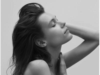 8/6(木)、高い生命力を誇るエイジングケア(*1)素材「ニーム」から誕生した本格ヘアケア『ニームヘアケアシリーズ』を新発売。ありのままの美しさを引き立てる健やかな頭皮と、しなやかな髪へ。