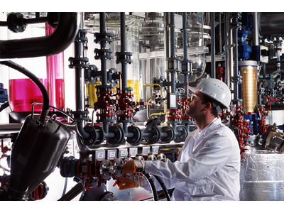 ランクセス、電池用化学品事業に参入し、ドイツのレバクーゼンでリチウムイオン電池用電解質を製造