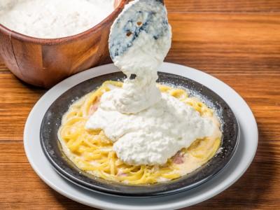 禁断の乗せ放題パスタ最新作「チーズチーズチーズパスタ」は極上生モッツァレラが乗せ放題!!3/13 から『VANSAN』全店で提供スタート