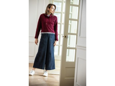 フィッシングから生まれた ファッションブランド「D-VEC」18年秋冬コレクションのテーマは「HISAME」ウィメンズ商品は、スポーツカジュアルスタイルを提案