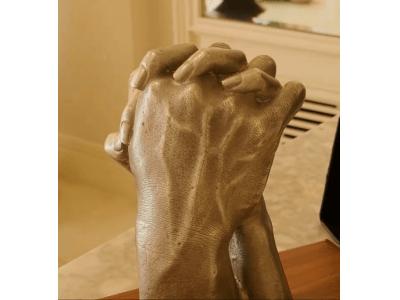 著名人の手型や足型を商品化するブランド『History Maker』が一般のお客様向けにサービスを開始!
