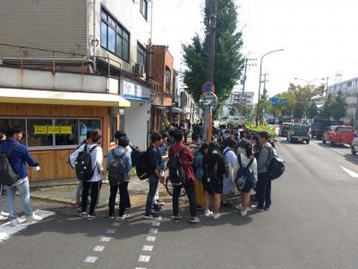 [地方創生]京都で、築53年古民家をリノベーションしたカフェバーがオープン。初日の来店者は7時間で、370人オーバー。常時長蛇の列に!