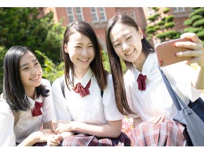 【女子高生時代のムダ毛事情】8割以上の女子大生が高校時代に「ムダ毛に焦った」経験がある!?でも女子高生にとって脱毛サロンの壁は高い!?