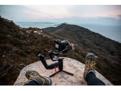 フルHD画像転送対応カメラ用スタビライザーZHIYUN『CRANE 3 LAB』の販売を開始