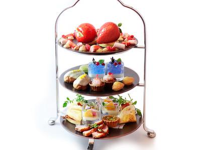銀座三越のカフェ「ボンボヌール」にWEB予約限定のプレミアムなアフタヌーンティーセットや、前菜からデザートまで楽しめるおすすめコースが登場!