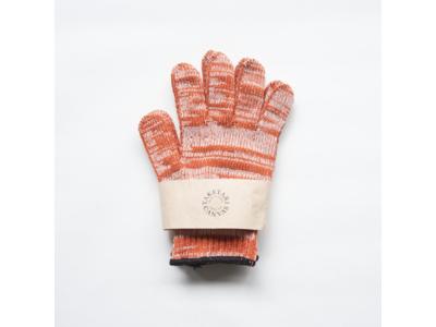 資源を無駄にしないアップサイクルの観点から製品化した「帆布残糸の軍手」に新色オレンジが登場!帆布の老舗タケヤリの人気商品です。