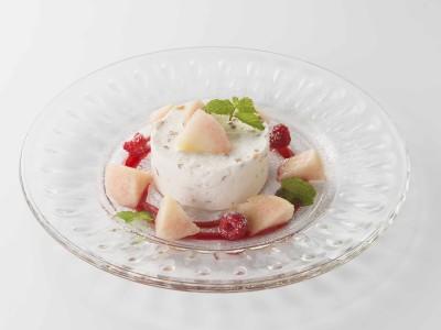 「メゾンブレモンド1830」バルサミコを使った夏のデザートが、7月27日オープン「ロクシタン表参道店ヴォヤージュ センソリアル」内ヴァーベナカフェに期間限定で登場。