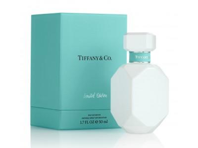 2020年3月4日(水)、ティファニーから純白でつややかな光沢仕上げの限定ボトル「ティファニー オードパルファム(ホワイトエディション)」を発売
