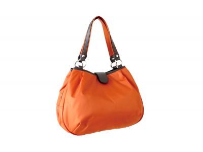 使い易さが考慮された機能性と素材の軽さが絶妙にマッチした多機能バッグ。Zuccaズッカ が「カステロ・ダ・ヴィンチ」より登場。