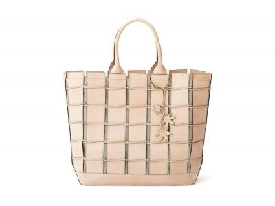 有名ブランドでも持ち手だけに使用する上質のヌメ革をバッグ全体に使った贅沢なZIMAシリーズにグランデサイズが登場