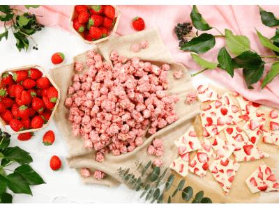 甘酸っぱいイチゴフレーバーにイチゴフレークを散りばめたイチゴづくしの最新作「ベリーベリーホワイトチョコレート」2019年2月15日(金)より期間・数量限定で発売