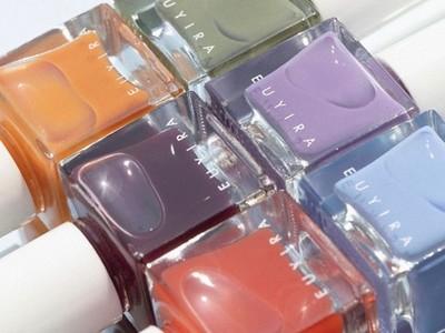 韓国発・敏感肌用コスメティックブランド「ユイラ」より「ブラッシングネイルカラー」が誕生。透明感のある輝きを持つ、トレンドライクな 3 カラーが待望の日本上陸!