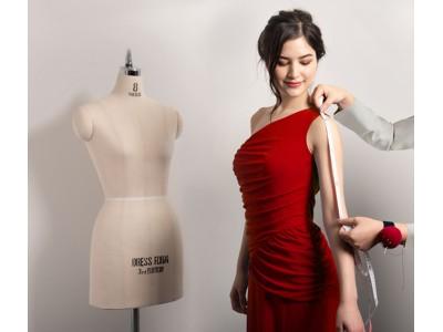 海外出張の多い女性管理職に朗報! お客様のご要望に応えロングドレスを追加しわにならずコンパクトに持ち運べるロングドレス オンラインカスタムオーダー開始