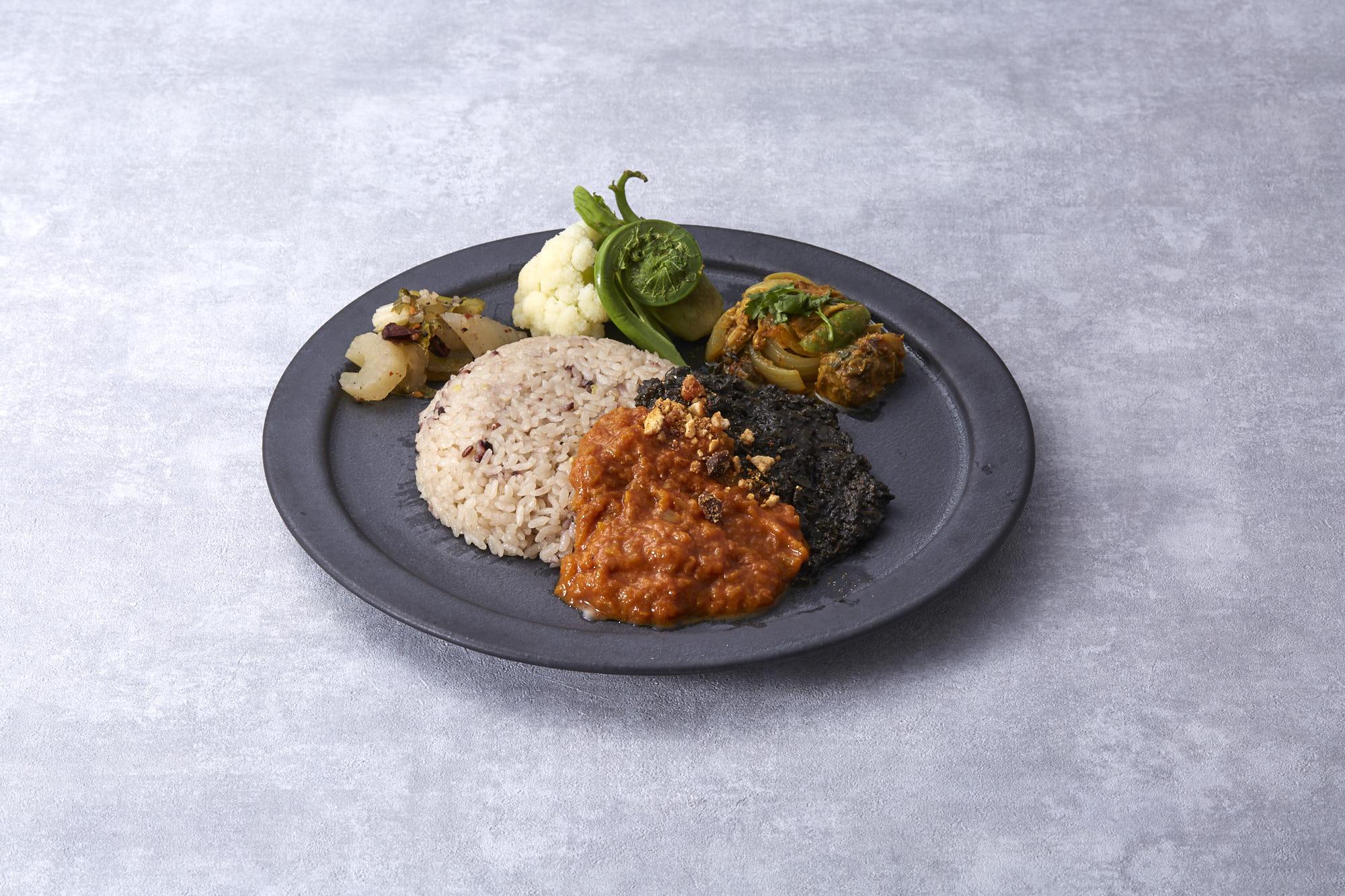 今日の旬を、今日のからだに。旬の野菜で作るスパイスカレー「MINGLE  TANGLE」が4月20日... 画像