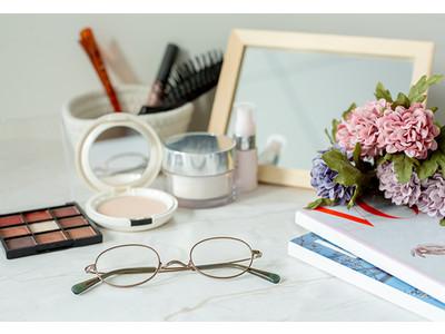 化粧くずれを防ぐ&目が小さくならない!プロが薦める裏ワザメガネ「kohoro KH-1012」を9月9日(水)より販売
