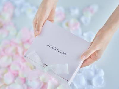 JILLSTUART Beautyが贈る、ホリデースペシャルギフトキャンペーン。ホリデーシーズン限定のギフトセットと刻印サービスを開始。