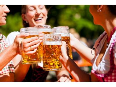 40歳以上の独身男女が恋人と行きたい夏イベント、人気の高い「夏祭り」「ビアガーデン」「BBQ」を多数掲載