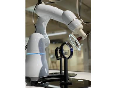 三越ワールドウォッチフェア、ロボットによる世界初ライブデモンストレーション