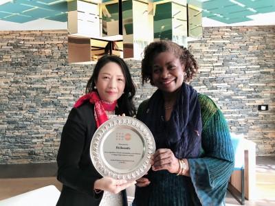 11月は子宮頸がん予防啓発強化月間です!子宮頸がん予防啓発プロジェクト「Hellosmile」が国連人口基金から感謝プレートを贈呈されました!