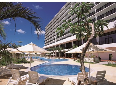 【サザンビーチホテル&リゾート沖縄】本格フレンチディナーが付いた特別宿泊プラン。大切な人と過ごすクリスマスを素敵に演出いたします。