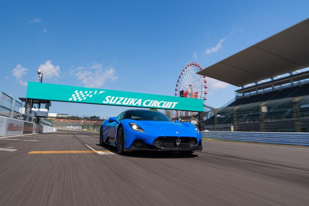 マセラティ スーパースポーツカー MC20 ついに鈴鹿サーキットでシェイクダウン!