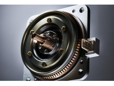 電力ゼロでロボットや搬送装置の姿勢保持が可能な「ピエゾソニック モータ」PSM60シリーズが一般販売を開始