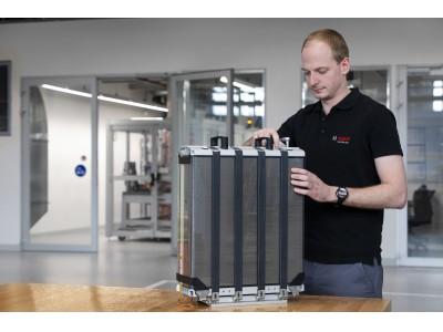 ボッシュ、トラック、乗用車向け燃料電池の大規模生産で協業