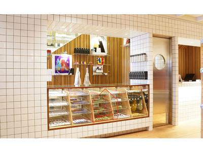 スーパー エー マーケットが青山にオープンして10年。それを記念し、10月29日(金)から1Fのカウンタースペースにスーベニアマーケットが新たに誕生。