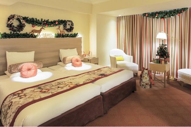 【ホテルオークラ東京ベイ】ホテルのお部屋でクリスマスを満喫!クリスマス装飾を施したデコレーションルームを期間限定で販売