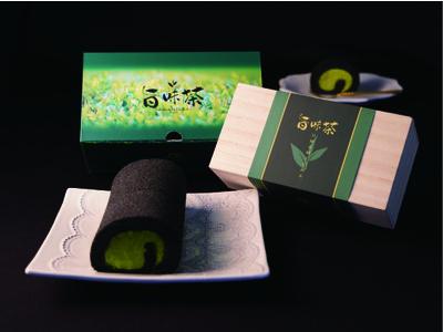 日本に39 名しかいない「日本茶鑑定士」監修。2021年八女新茶をいち早く使用した春を感じる旨味茶ロールが登場。